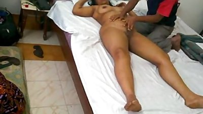 Indian milf mona bhabhi massage with room service and fucked